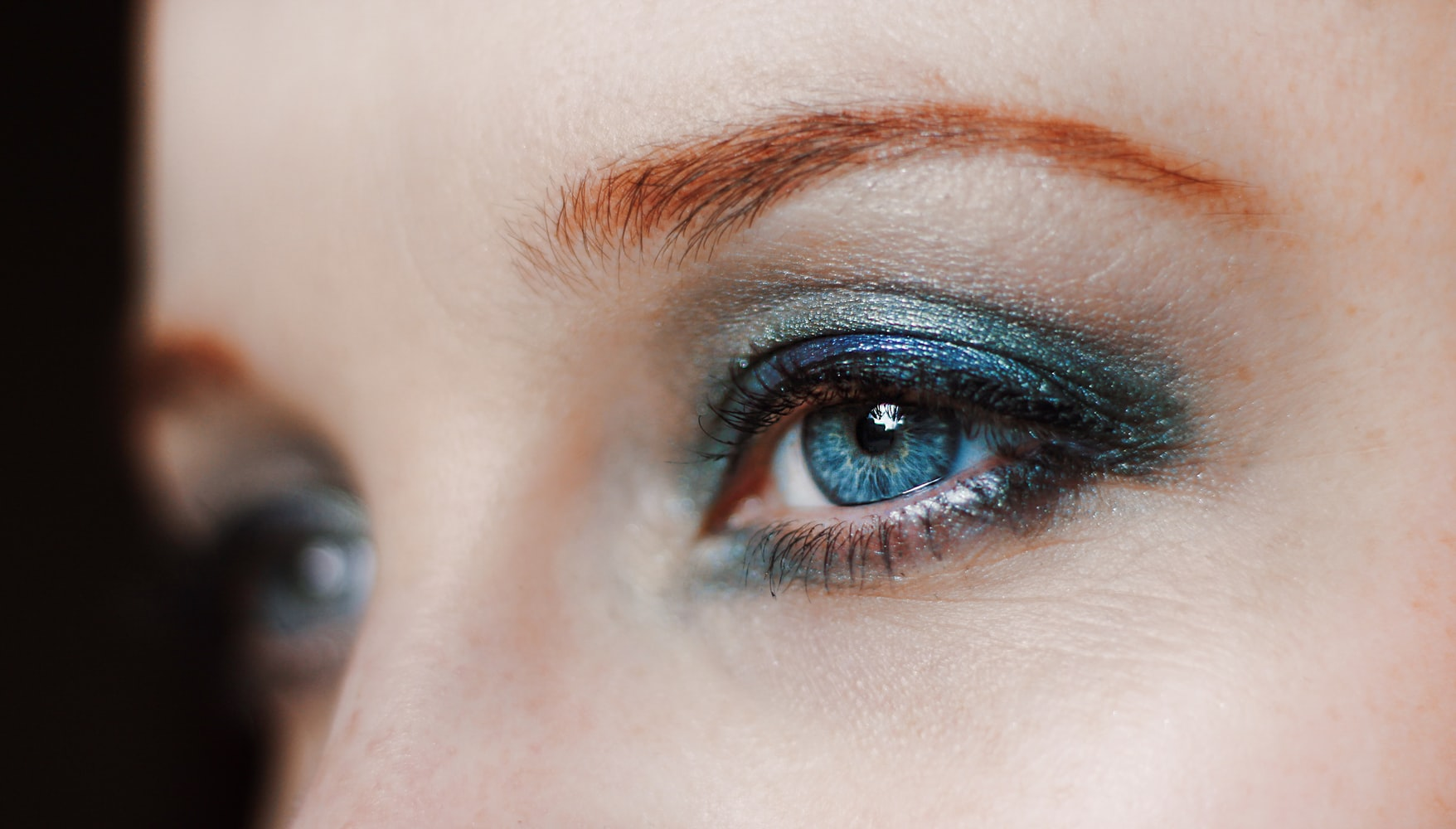 How to Use Eyeshadow for Different Types of Eyes and Occasions